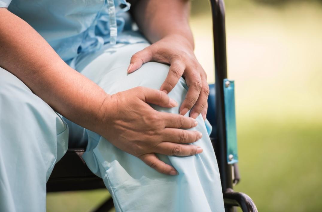 半膝關節置換手術: 換一半好過全個?